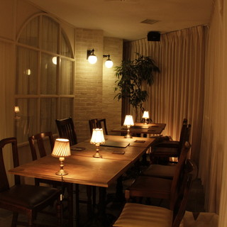 半個室は雰囲気も良く、会食や歓送迎会にも最適です