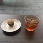 Ribaritoritogaraku - 抹茶フィナンシェとアイスティー