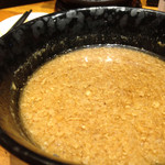 56452292 - 魚介豚骨つけ麺のつけ汁〜。