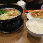 56454489 - 濃厚鶏そば+味玉と白ご飯餃子ランチのセット