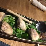 貝料理専門店 貝しぐれ - はまぐりのしゃぶしゃぶ