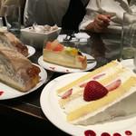 ロビーカフェファシーノ - ショートケーキが1番お得な感じかな?