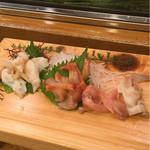 吉野鮨本店 - 石垣貝と赤貝とヒモ、そしておまけの北寄一切れ