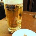 四川辣麺 - 生ビール(中) ¥460 をザーサイで