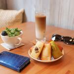 フィナンシェリー アッシュ - 料理写真:2016年9月再訪:フィナンシェ&アイスカフェオレ☆
