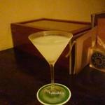 バー イリュージョン - 梨のフレッシュマティーニ