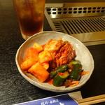 華吉 - キムチ盛り合わせ750円