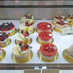 キハチ - ジェラートのホール・ケーキ