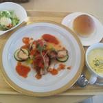 56466995 - チキンのプッタネスカソース~野菜のグルル添え~ ポテトサラダ 野菜のポタージュ パン