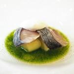 神楽坂 ヴェーリ - サバのマリネと緑のガスパチョ