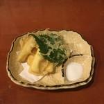 よしたく - 人気1位 燻製チーズの天ぷら