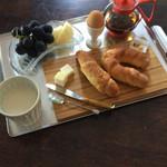 マルホベーカリー タカラダ - 朝食シリーズ^_−☆バターだけで