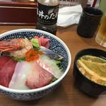 56471661 - 海鮮丼¥590円+税