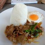 ピム サイアム - 料理写真:カオガバオヌア(牛肉のカバオ)