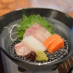 六峰館 - 料理写真:造り 寒八、鯛、サーモン、烏賊