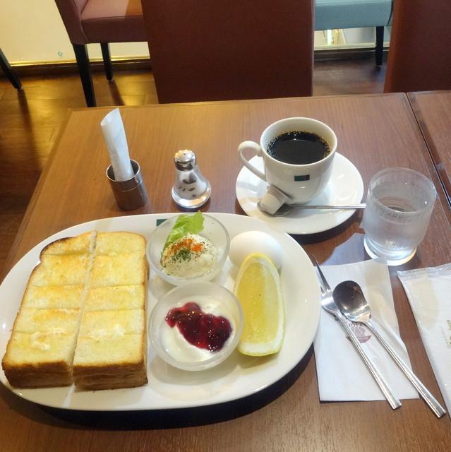 ミカド珈琲店 日本橋本店 - モーニングAセット580円、ブレンドコーヒーで