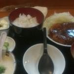 どん平 - とんかつ麦とろ定食大(1,300円)