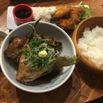 和伊んバル 3751 - 魚フライ&あら煮定食 これにドリンクが付いて税込み1,058円