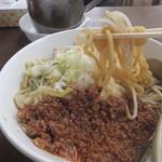 東横 - 辛肉ラーメン(2016年9月)