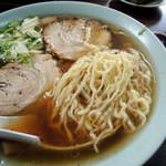 塩苅食堂 - 2016年9月22日(木・祝) チャーシューメン(850円) 自家製麺
