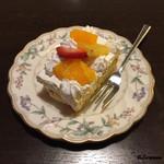 洋食 りんご屋 - 食後のケーキ