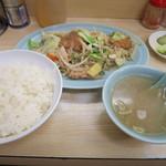 浜町軒 - 肉野菜炒め定食