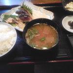 鮮魚えびすや - 〆鯖・カワハギ/肝付き刺身定食@1000円