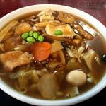 龍宝 たべにおいで - 広東麺 951円。甘じょっぱい餡が多め。麺は柔らか細麺