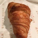 メゾン・カイザー・カフェ - 朝は買ったパンをイートインスペースで食べれます(^ ^)