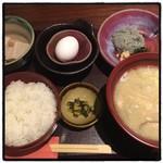 麹蔵 - 2016年8月31日  週替わり豚汁定食850円。 生しらす☆