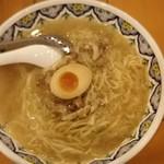 中国ラーメン揚州商人 - 豚肉スープのこくネギラーメン(細麺)910円
