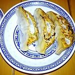 中国ラーメン揚州商人 - 半餃子(3個)180円