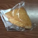 こなのか 焼き菓子カフェ - 全粒粉のスコーン(120円税)