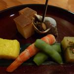 56494275 - バイ貝、卵焼き、海老、子持ち昆布、トウモロコシの練り物