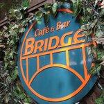 ブリッジ - 入り口にあるお店の看板です♪