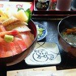 とんぼ亭 - 海鮮丼