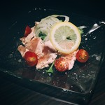 串バル 梟 - 新鮮なお肉でしかできない 鶏のカルパッチョ