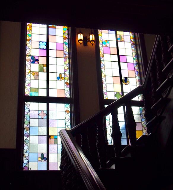 ラ・メゾン・キオイ - 素敵な光を放すステンドグラス
