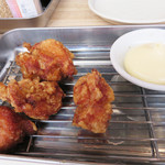 中洲二丁目屋台 - 鶏の唐揚げ・マヨ付。