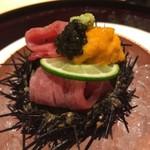 肉屋 雪月花 NAGOYA - たん昆布〆根室雲丹、キャビア