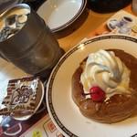 56516395 - ♪ミニシロノワール ¥600♪たっぷりアイスコーヒー ¥520