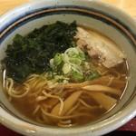 土崎港屋 - 料理写真:しょうゆラーメン 600円