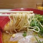 56522797 - 焦がし味噌 麺リフト
