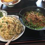台湾料理 鴻翔 - 台湾ラーメン+台湾炒飯セット