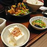 新宿さぼてん - さぼてん和定食(茄子と豚肉のピリ辛味噌炒め)
