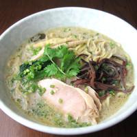 タイ ベトナム料理 GreeN - 魚介系スープとWスープのグリーンカレーラーメン