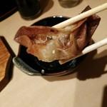 九州 熱中屋 - 中身のあんは、わりとさっぱり。