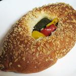 boulangerie favori - 焼きカレーパン