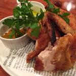 丸鶏FUJI - 丸鶏(大山鶏)の素揚げ