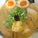 大阪ふくちぁんラーメン - ふくちゃんラーメン720円豚骨醤油が丸みのある味付けが良いですね